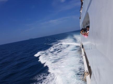 Big boat to Phi-Phi island, Phuket Trip