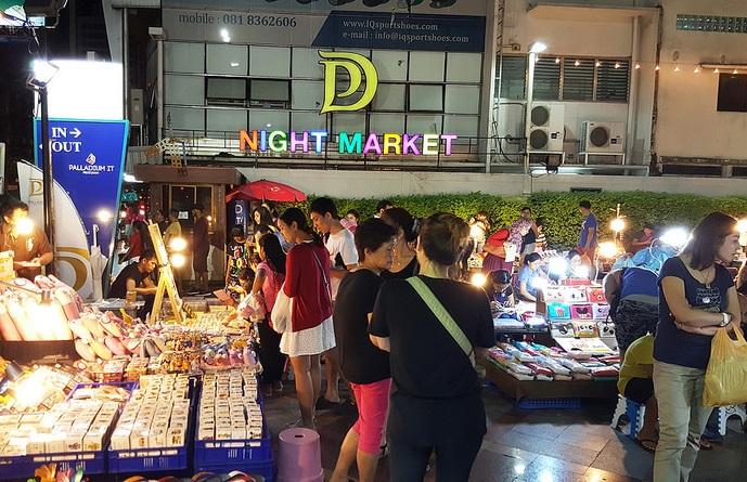 Palladium night market - Shopping in Bangkok