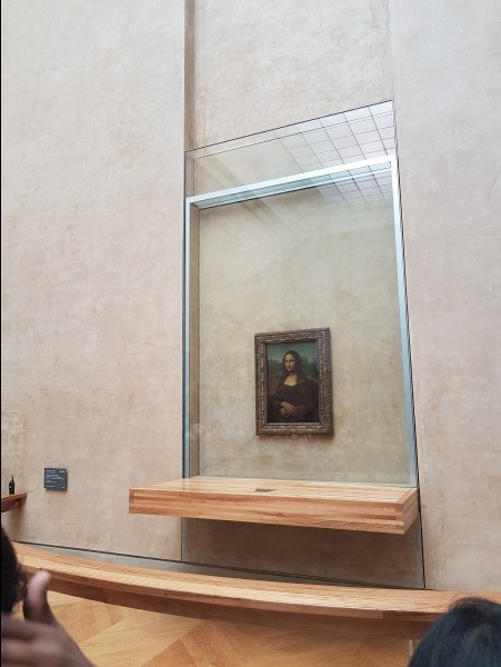 Mona Lisa - Louvre Museum - Paris - livetotravelsaniyapuri