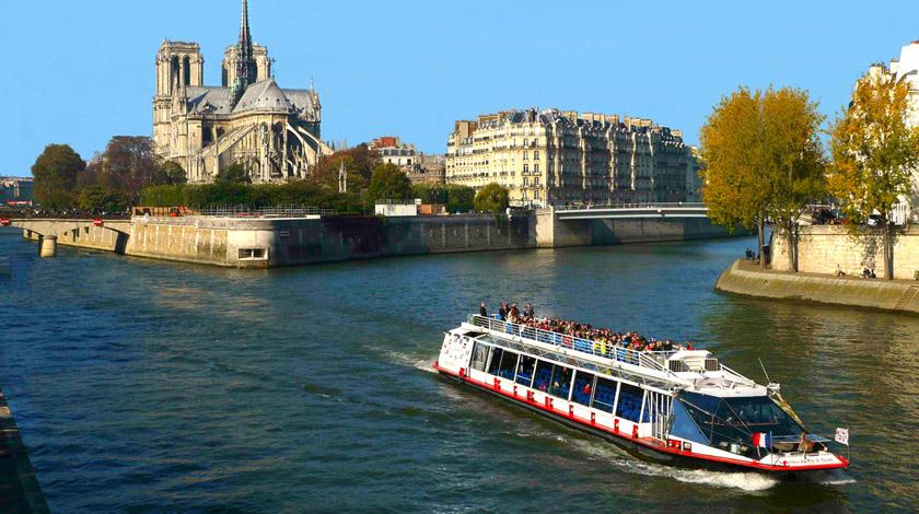 Cruise - Paris - livetotravelsaniyapuri